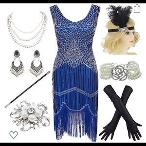 1920s fringed gatsby dress and accessories